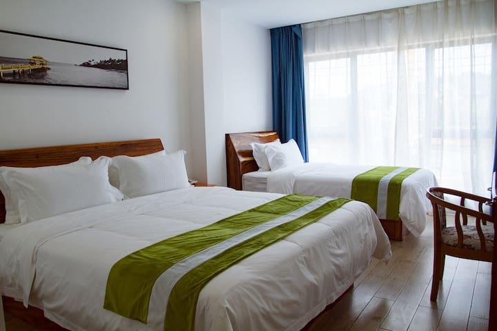 西哈努克 五星级配置/近国际赌场、独立海滩等景点/免费早餐&健身房&游泳池&自助洗衣房高级双床房