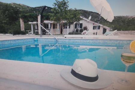 Villa near Makarska,no neighbors,quiet location