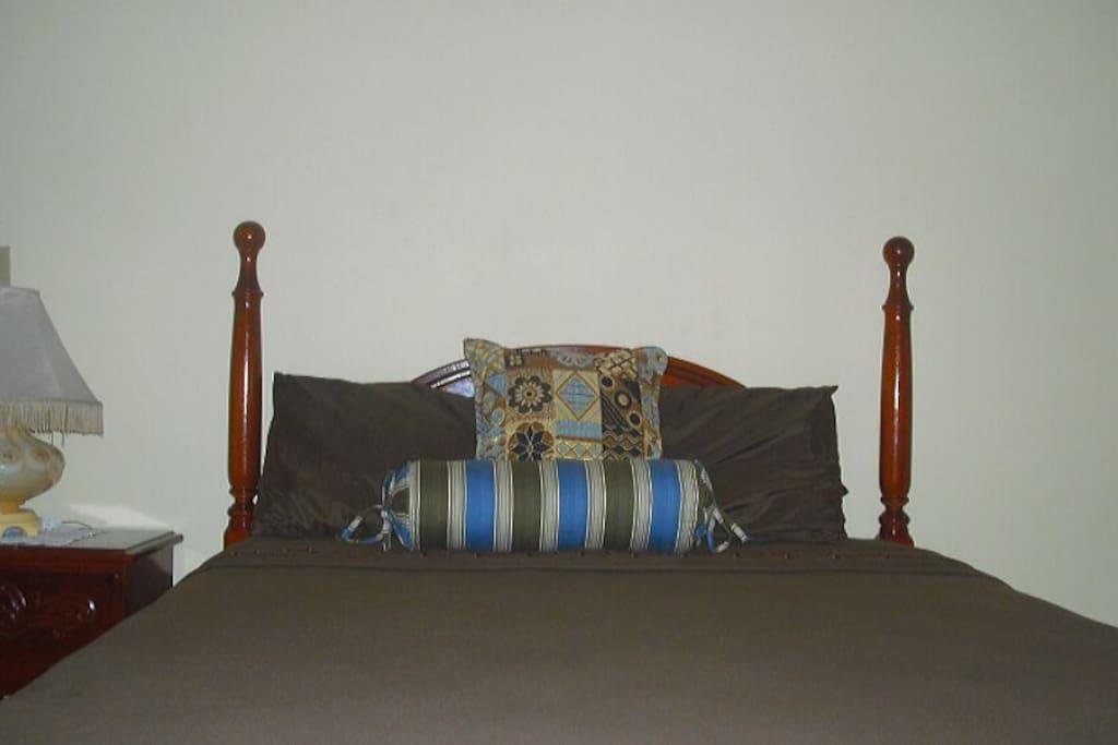 Bedroom: 2