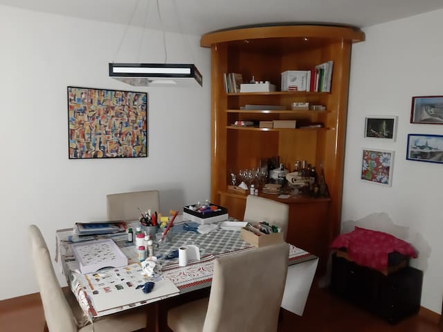 Quarto  em  apto  de alto padrão,bairroSumaré SP