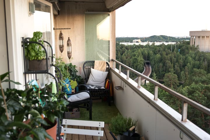 Penthouse apartment, 12min from central station - Danderyd - Apartament