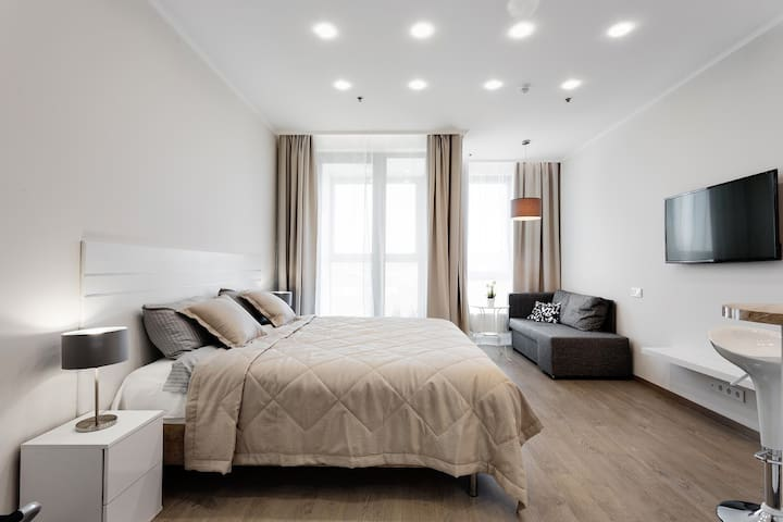 GM Apartment 3 / King bed / near Aviapark / m.CSKA