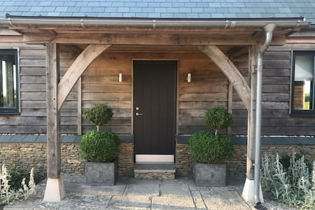 Everdene Lodge