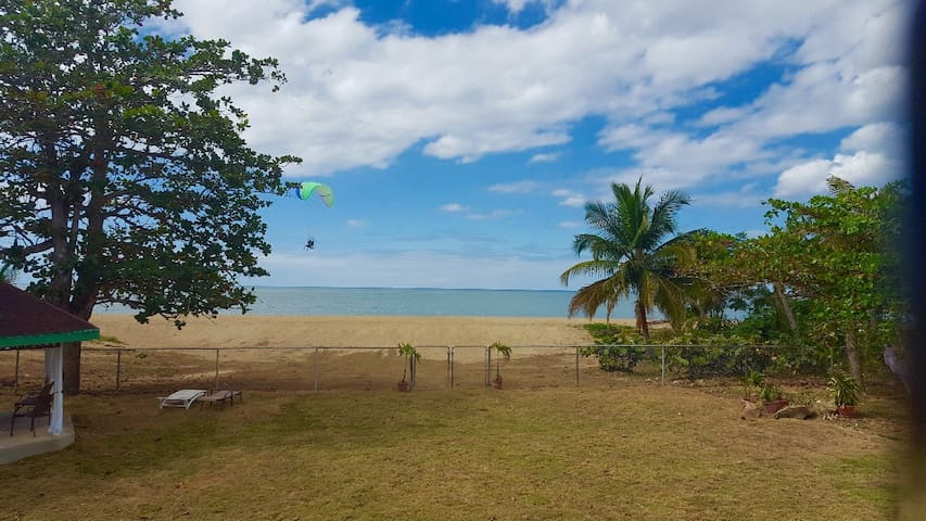 2 Bdrm+den /1 Ba Apt on the beach - Rincon/Anasco