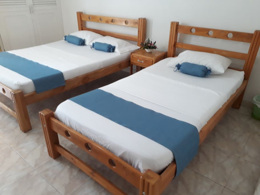 Habitaci n privada cama doble cama sencilla albergues for Cama sencilla