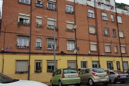 PISO  EN LOGROÑO - Logroño - Apartament
