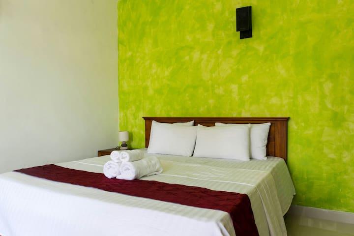 Colombo - Sithila Villa Deluxe Cozy Room & Balcony