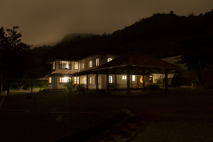 Homestay in tea garden near Munnar and Thekkady