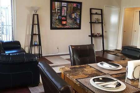 Amazing location! -WEST HOLLYWOOD- Newly Renovated - West Hollywood