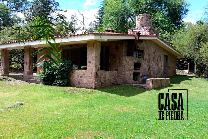 La Casa de Piedra - Cuesta Blanca. PRIMAVERA