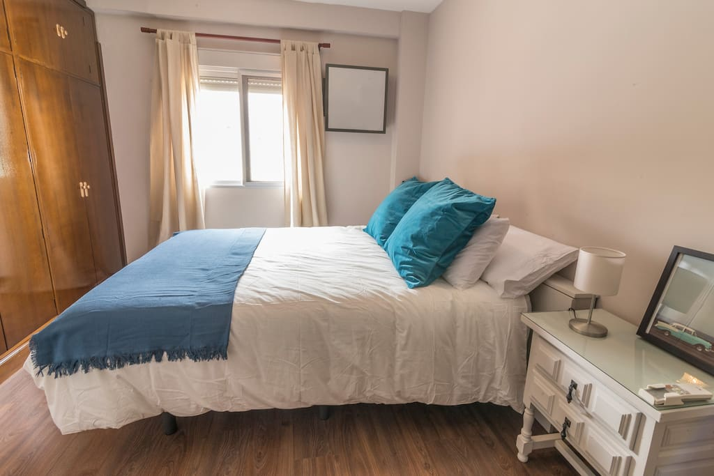 Second bedroom has all you need...