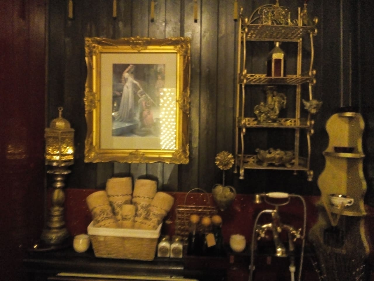Caspians Boutique Guesthouse(Four Poster Double)