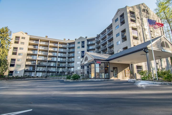 Upscale Condo Building right in the Heart of Downtown Gatlinburg!