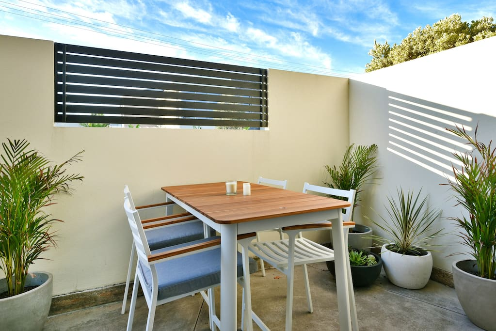 Adelaide beachside flat with cute outside space for outdoor dining with gas weber barbecue . . Adelaide beach