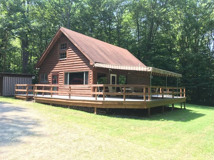 Beautiful private Bemus Point cabin