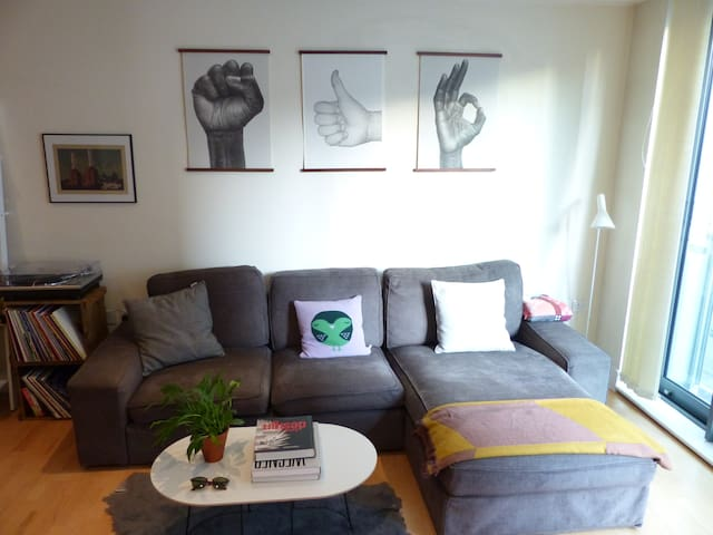 Luxury 2 bed, 2 bath apartment in Chelsea