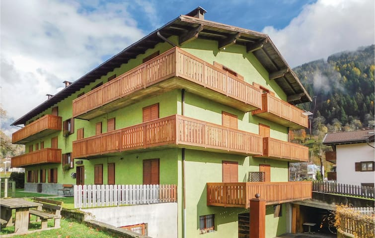 Holiday apartment with 2 bedrooms on 70 m² in Pinzolo (TN)