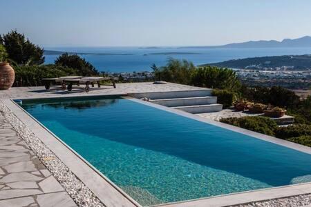 Serene Artist Villa - Paros