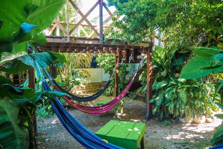 Ciao Cacao Hostel & Cafe Private Room