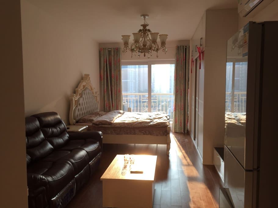 House panoramic, the sun filled the room