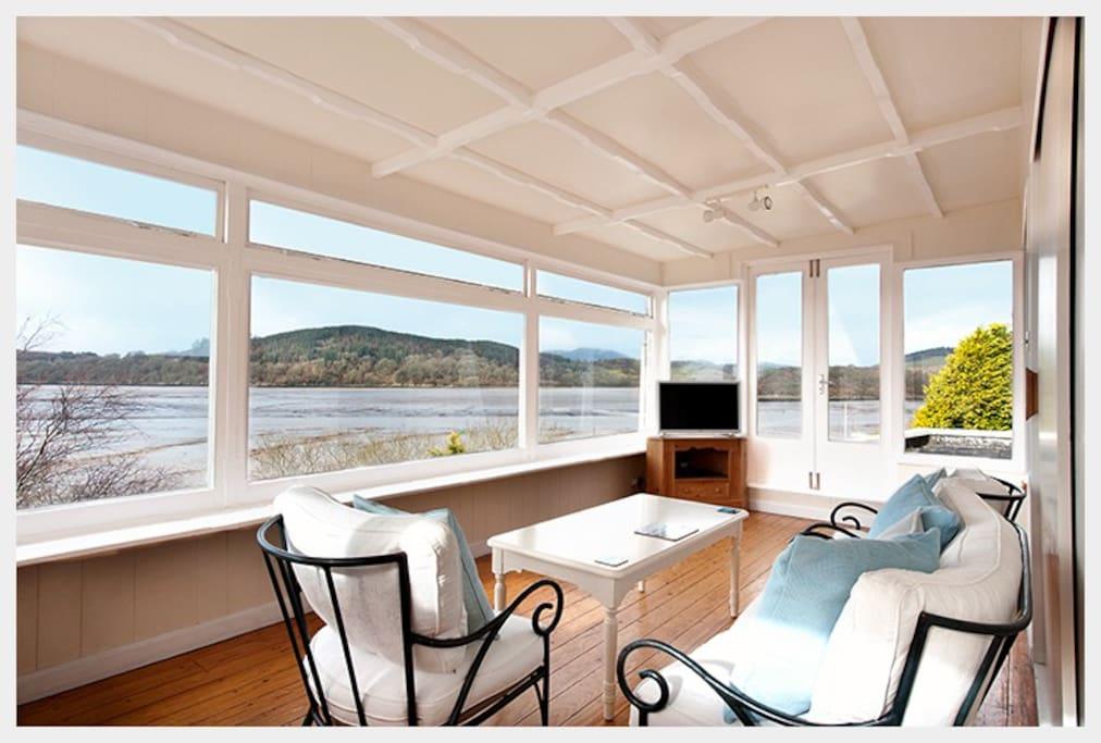 The Suite private sun lounge