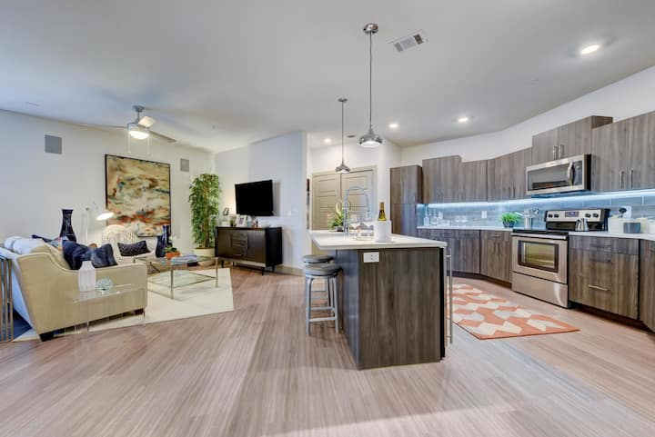 Well-equipped apartment home | 1BR in San Antonio