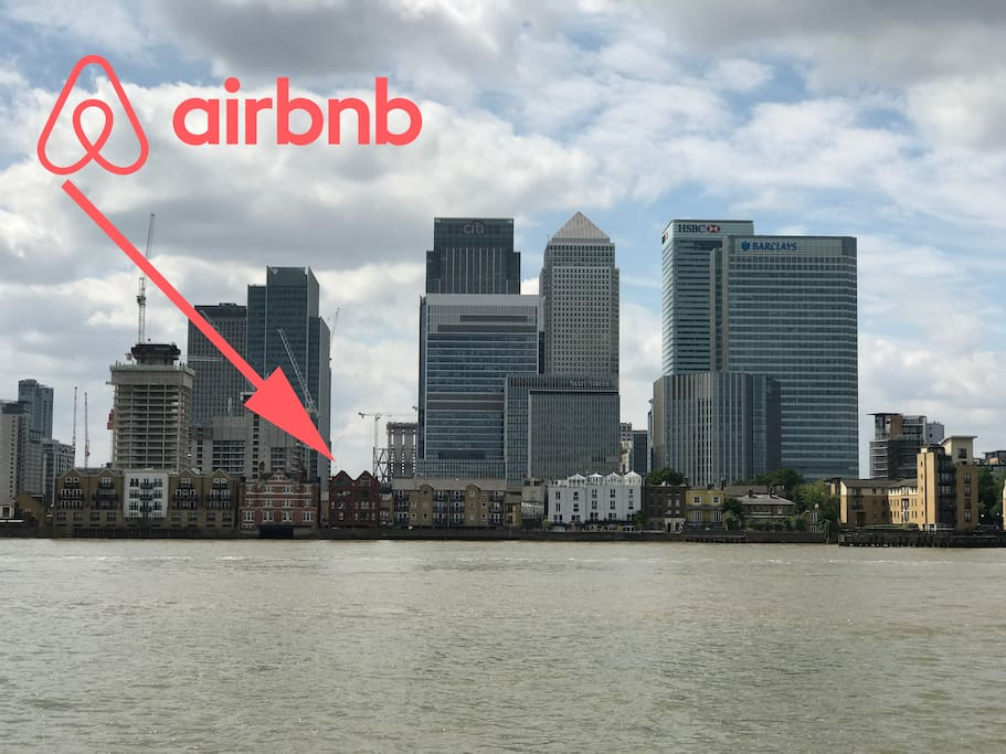 This is the listing, between views of the hi-rises and the River Thames.