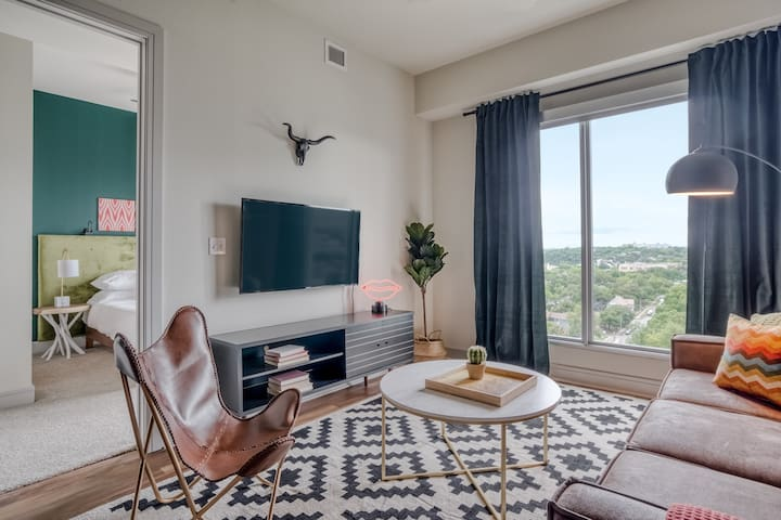 Sleek 1BR in Downtown Austin #1106 by WanderJaunt