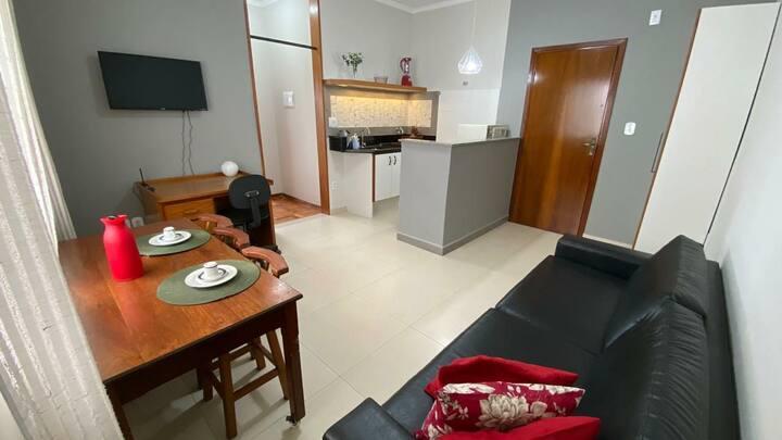 Apartamentos conjugados (50m da praça central)