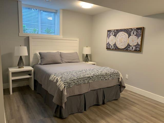 Second Bedroom - Queen