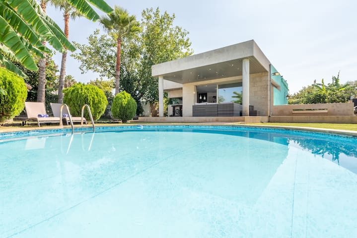 Extremely Modern Villa with Pool - Villa Zoe