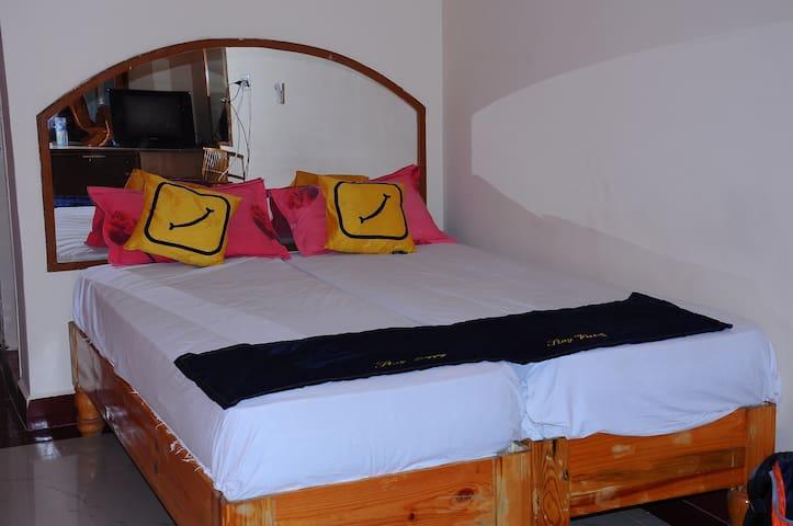 Vista Rooms at Laxmi Heritage - Hampi - Дом
