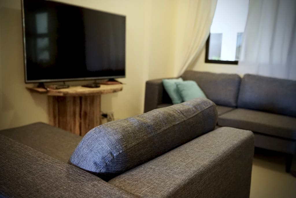 Lounge about and watch cable TV or surf the net using the well sped wifi