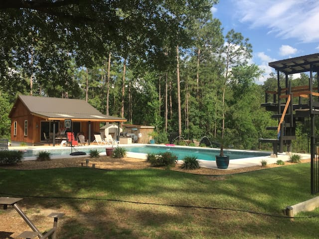 The Lightle Lodge Pool House - Statesboro - Gästehaus