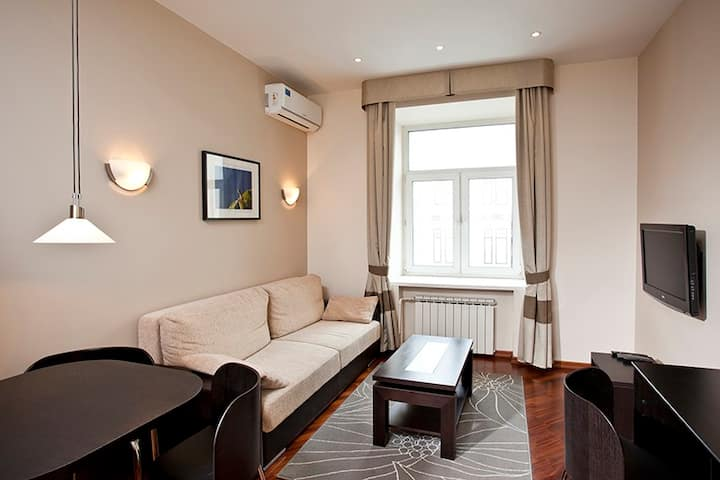 Ultra apartment.  Near Kremlin. City center
