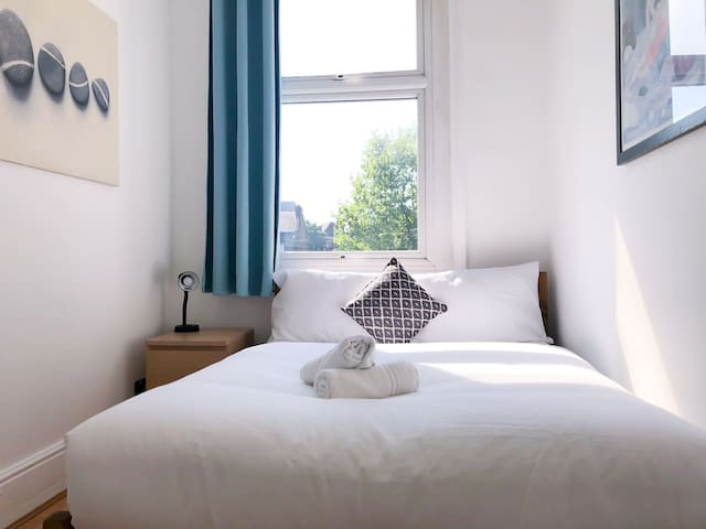 Double Room at Clapham Common - Room A