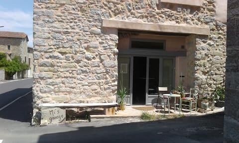 """""""Mi's garage"""" - pres d' Anduze, porte des Cevennes"""