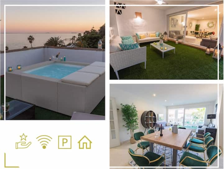 Elegance | Wine & Dine | Roofdeck Jacuzzi Sea view
