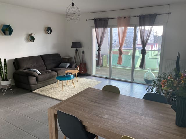 Chambre dans un charmant appartement de standing