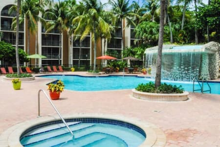 Trendy Miami apartment with pool! - Miami - Wohnung