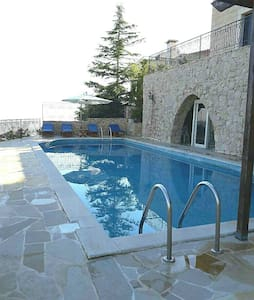 Leb Stone House with Swimming Pool