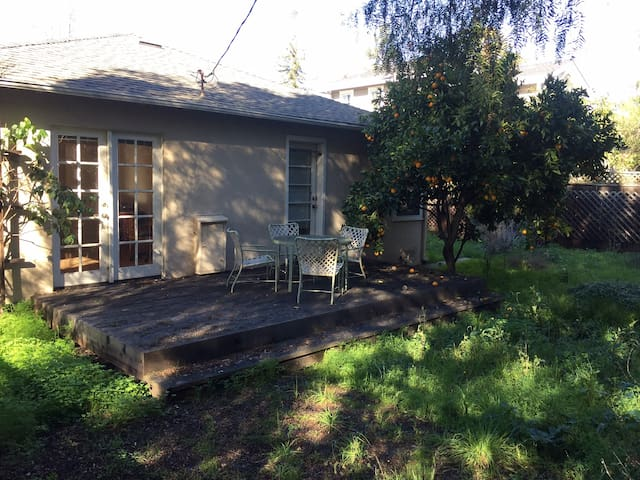 2 Bed 1 Bath Home on Cul-de-Sac in Midtown P.A. - Palo Alto - Hus