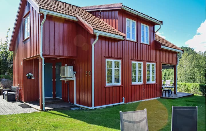 Awesome home in Risør with Sauna and 4 Bedrooms