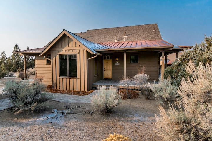 Robins' Roost Cabin, Brasada Ranch -  Dogs Welcome