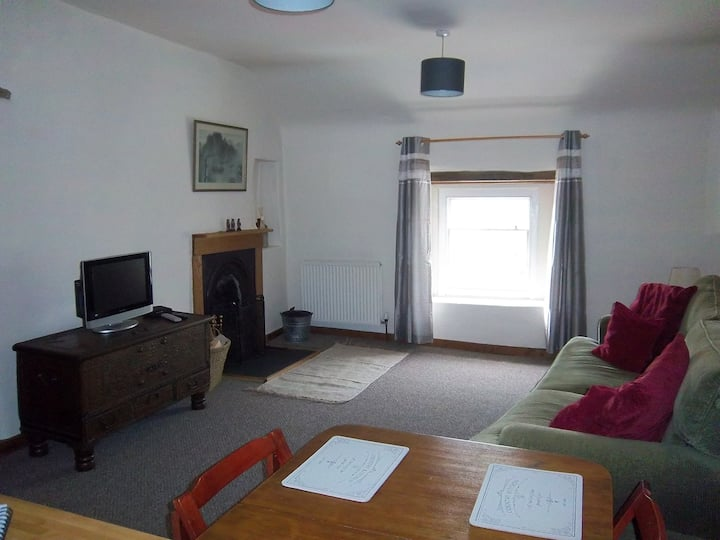 Bank House Apartment Peak District | Pets Welcome