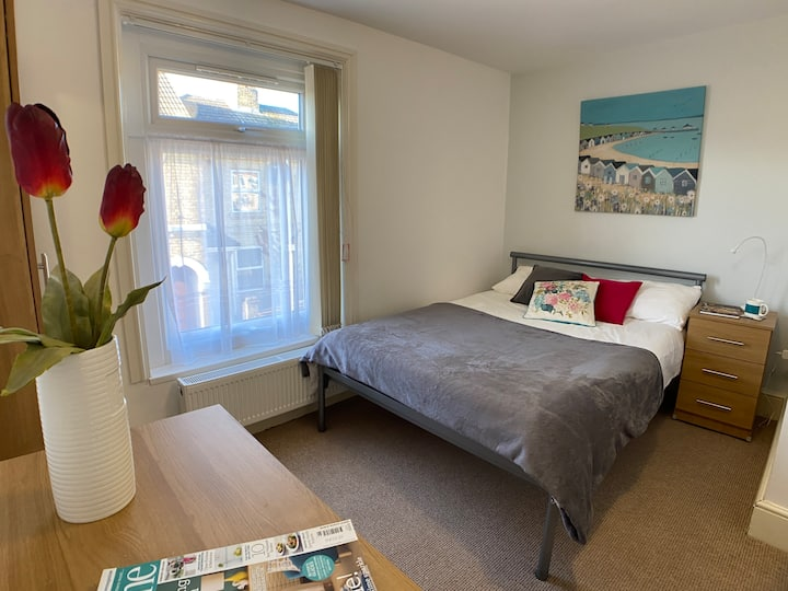 En Suite Room near City Centre