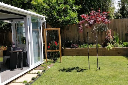 Garden Studio with Bathroom and Kitchenette