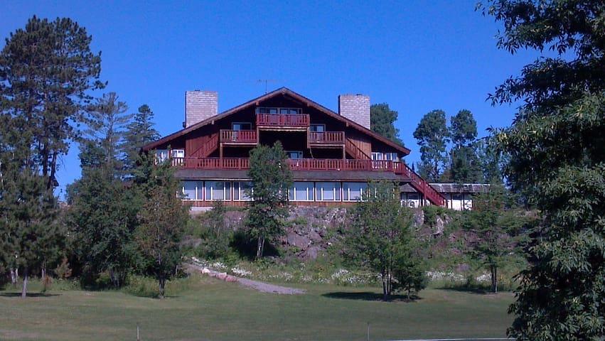 Creek Ridge Lodge on White Iron Lake, Room 5