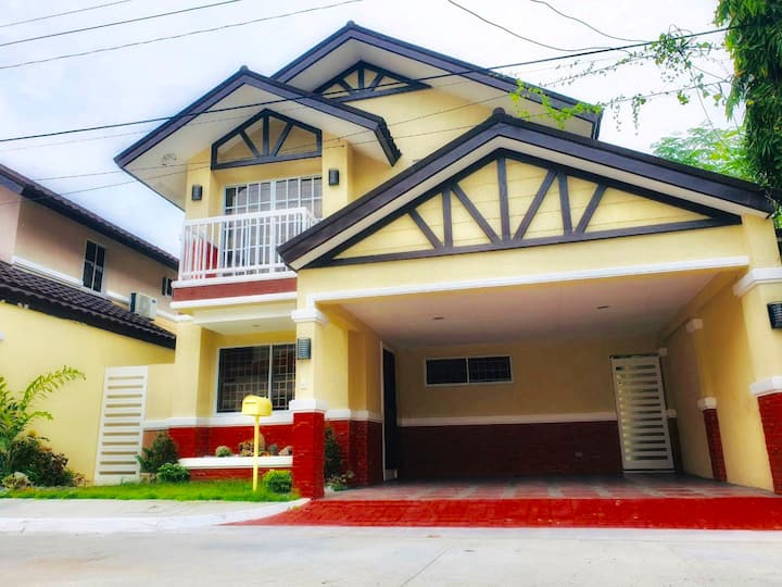 Private Villa near Clark Airport