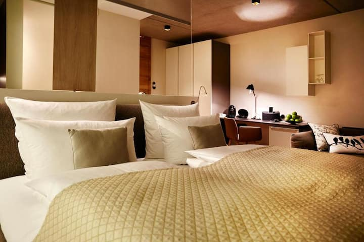 Hotel Restaurant Seegarten, (Sundern), Junior Loft in elegantem Design mit großem Balkon